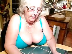 Amateur Big Boobs Granny Webcamera Play the part