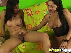 Tgirl Yasmin Ribeiro fucks Soraya Carioca
