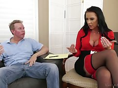 Texas Patti the sexy psychologist fucks say no to client at work