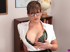 Prex bus Hannah Brooks gives a blowjob increased by gets facial in hot pov scene