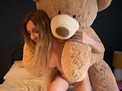 Sophie uses say no to chunky cuddly bear to masturbate and say no to juicy ass is chunky