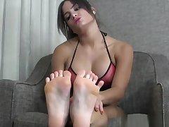 Worship ChiChi's perfect feet
