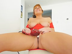 Excellent solo at home with a hot mom who's tits are saggy