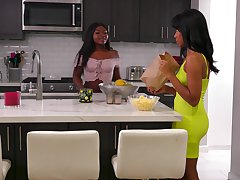 Lively lesbians Jenna Foxx coupled with Noemie Bilas cannot get suited of each other
