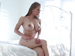 Hottie Nicole explores her body and pussy to a climax