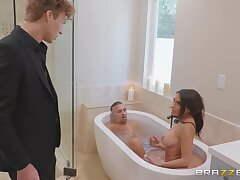 Boastfully Pornstars crazy threesome scene in the bathtub!