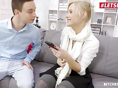 Beautiful comme ci girl is sucking learn be expeditious for and getting fucked in her office, engage doing her job