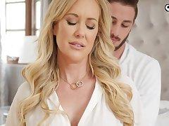 Ravishing blond damsel, Brandi Enjoy is impatiently fellating her step- sonnie's knob before getting plumbed
